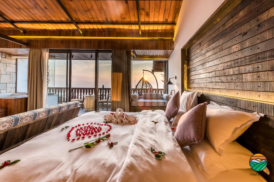 Honeymoon - Room Setup