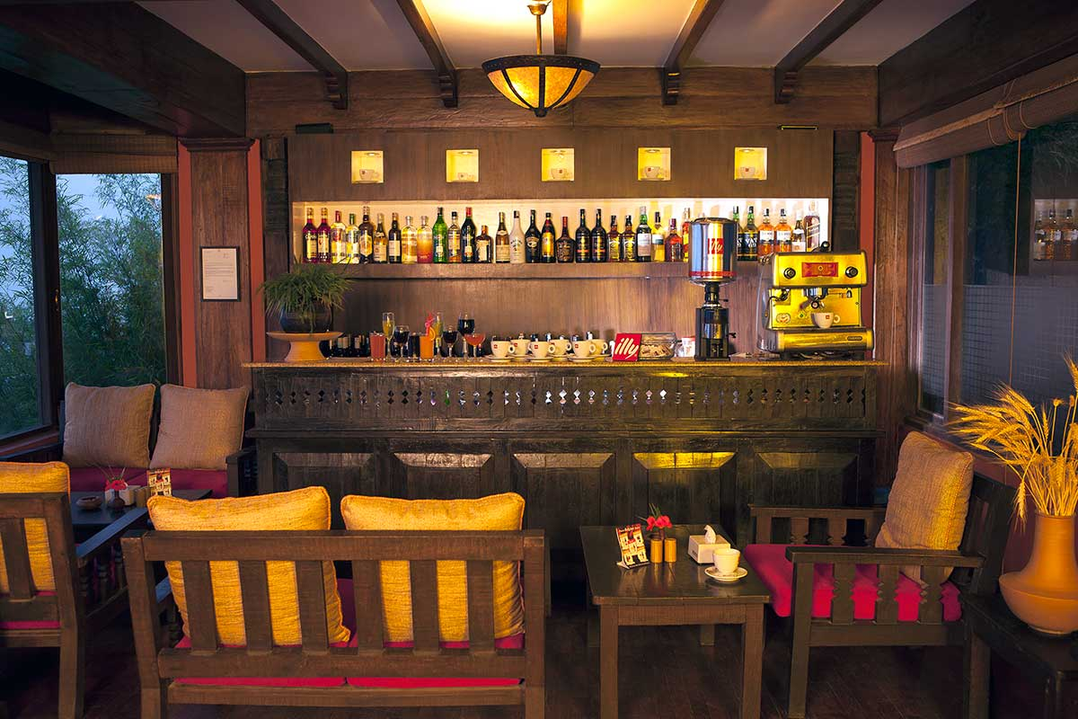 Coffee connoisseurs can enjoy their time tastefully in the bar.